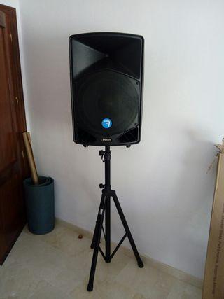 Alquiler sonido, música e iluminación.