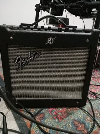 Amplificador de guitarra Fender Mustang I V.2
