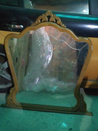 Antiguos espejos de cómodas