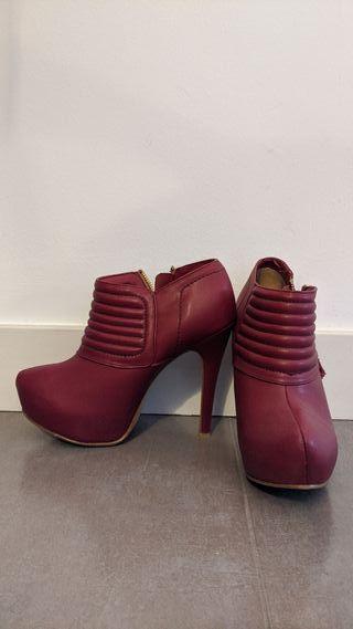 Zapatos/Botines rojos de tacón