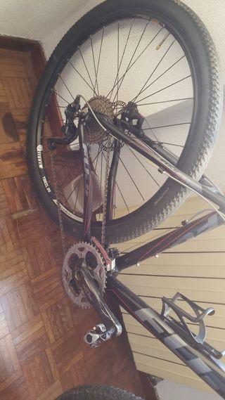 bicicleta fuji 29