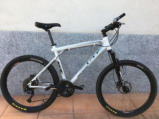 Bici de montaña GT Avalanche 1.0 talla L Deore