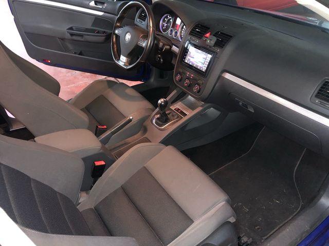 Volkswagen Golf R32