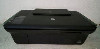 Impresora/ copiadora/ escaner HP deskjet 2050 URGE