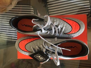 Botas Fútbol Nike HYPERVENOM