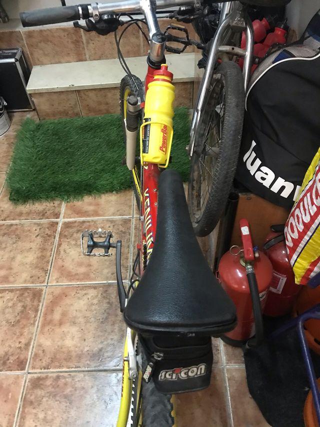Bicicleta amortiguación