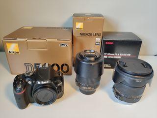 cámara Nikon con objetivos como nueva