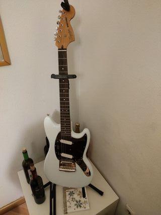 Fender squier mustang