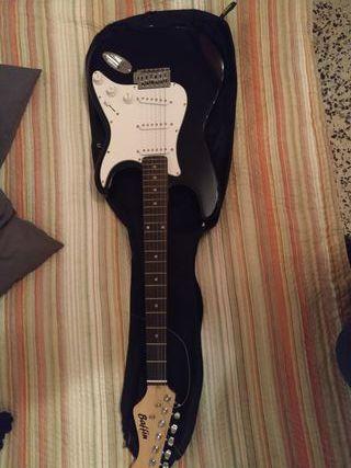 Guitarra Eléctrica, funda de guitarra y amplificad