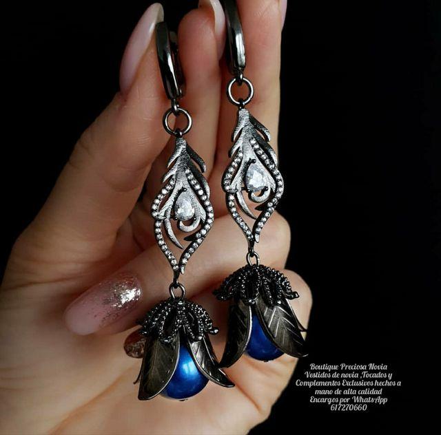 Pendientes en negro / azul marino joya Invitada