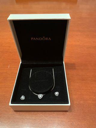 Conjunto collar y pendientes Pandora