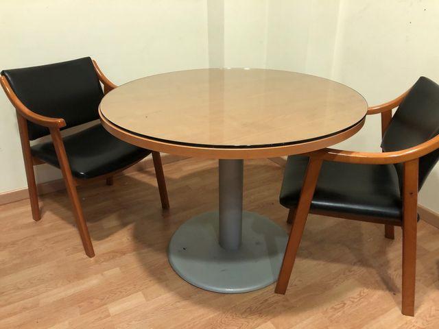 Mesa redonda para oficina o sala de estar
