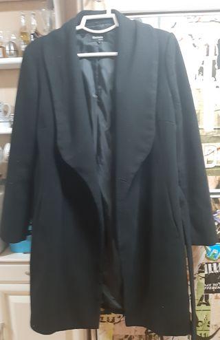 Abrigo negro de Formula