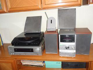 Minicadena,Amplificador,2 Altavoces, Tocadiscos