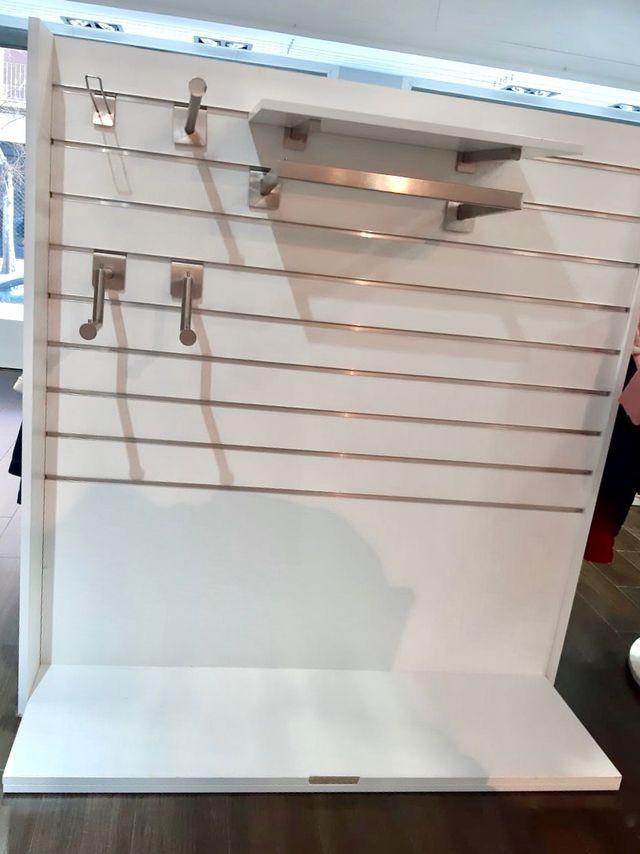 Mobiliario tienda gondola