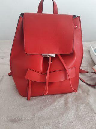 mochila Zara semi nueva