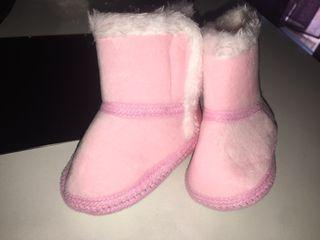Botas bebé nuevas