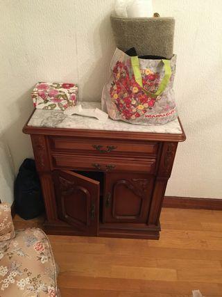 Mueble consola .. cajones y armario