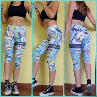 Leggings piratas cómic fondo azul. Talla L