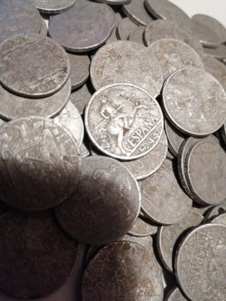 lote de 100 monedas de 5 y 10 centimos 1945
