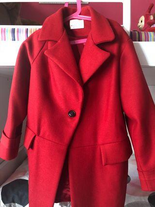 Abrigo rojo de Zara