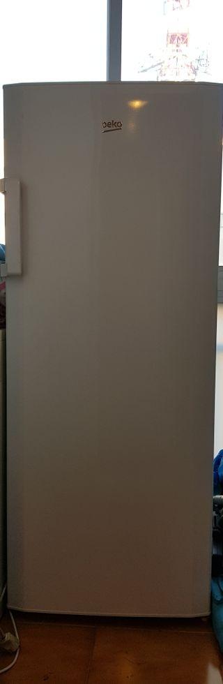congelador vertical 6 cajones