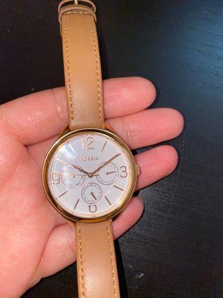 Reloj fossil marron