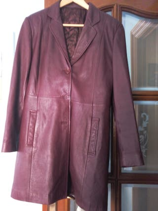Precioso abrigo piel rojo-granate