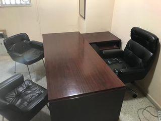 Conjunto mesa y sillas despacho