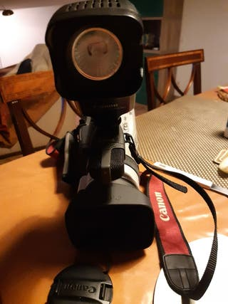 cámara Canon 3ccd digital camcorder x M2 pal