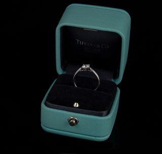 Sortija Tiffany en Platino con Gran Brillante