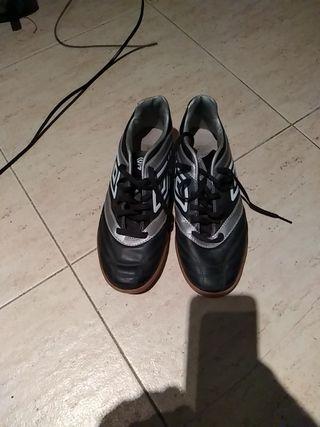 Zapatillas fútbol sala marca Umbro baratas