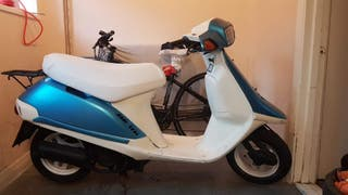 moped Honda vision 1990.. OFFERS..