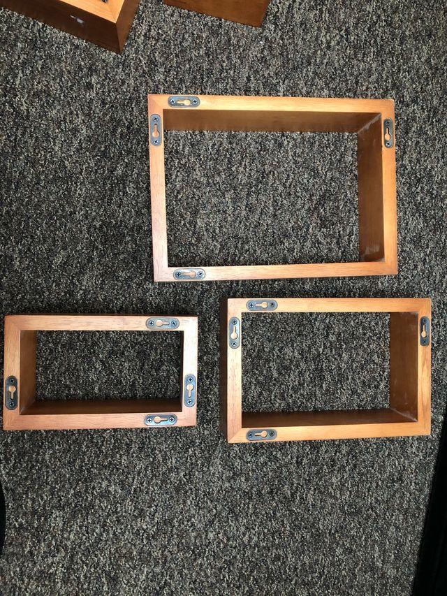 Set of 6 floating shelves