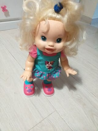 muñeca interactiva