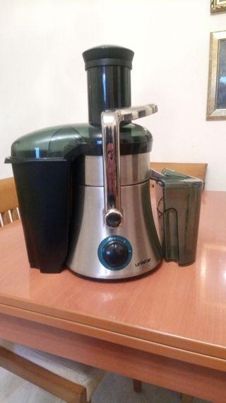 """Juice extractor """"Unistar"""" GTM-8110S"""