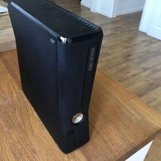 XBOX 360 250GB+AURICULAR/MICRO+MANDO