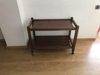 Mesa auxiliar de madera,