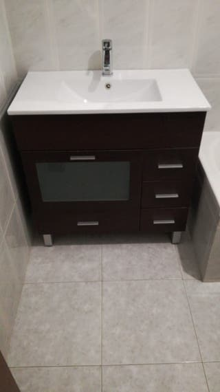 Mueble baño con lavabo