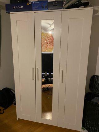 Cama doble + armario + consola