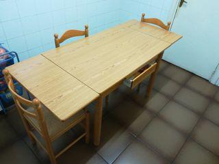 mesa cocina plegable y sillas.