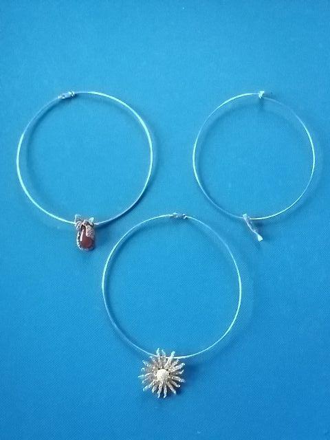 3 colgantes plata y 3 collares rígidos plata