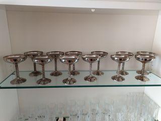 12 magnificas copas de champan
