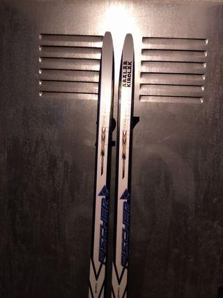 Esquís de fondo, fijaciones, botas 42y bastones