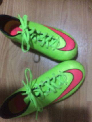 Zapatillas de futbol de niño nike talla 24