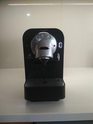 Cafetera Nespresso Pro