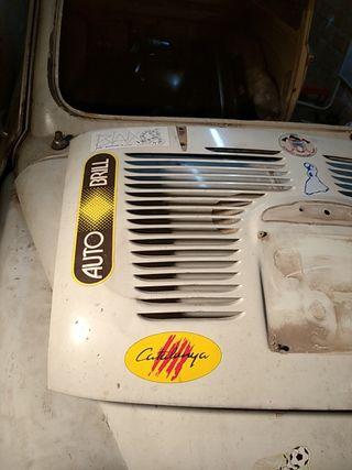 tapa motor portón Seat 600d