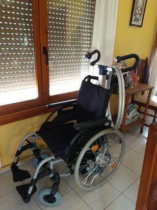 Silla de ruedas adaptada para subir escaleras
