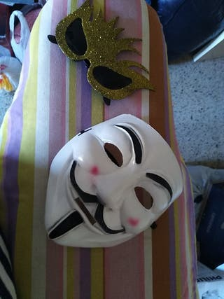 máscara y gafas graciosas