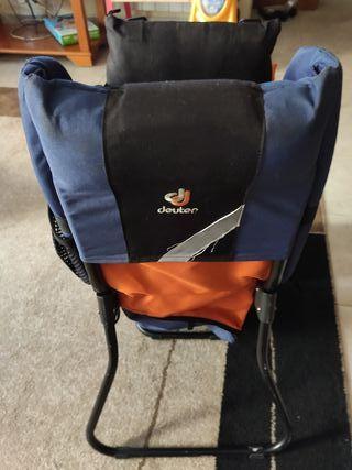 mochila porta bebés deuter